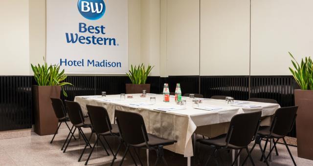 Centro congressi a milano zona stazione centrale milano for Hotel madison milano